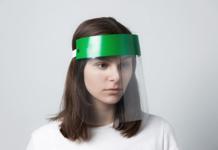 Пластиковая защитная маска